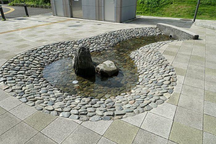 浅間町フレンドパークの遊具「湧水広場」