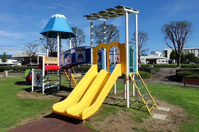 外神東公園の複合遊具