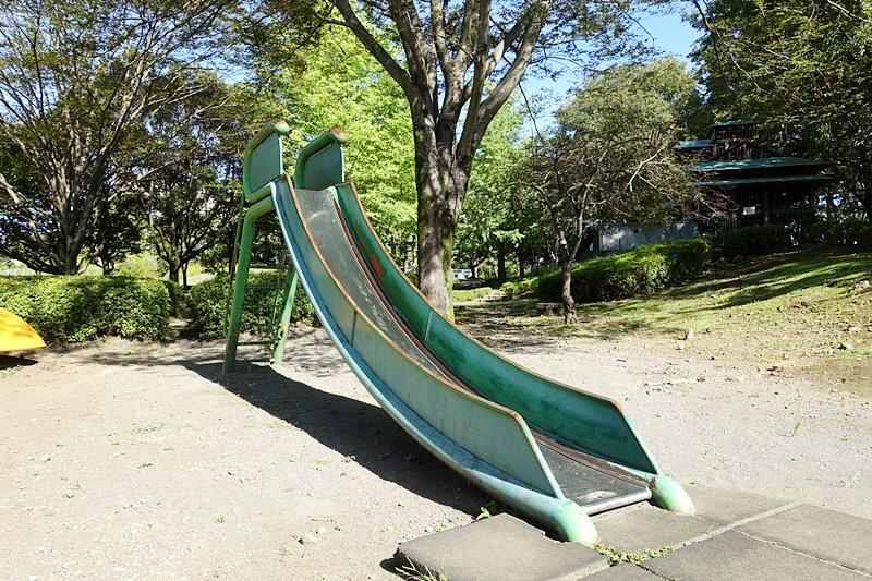 外神東公園の滑り台