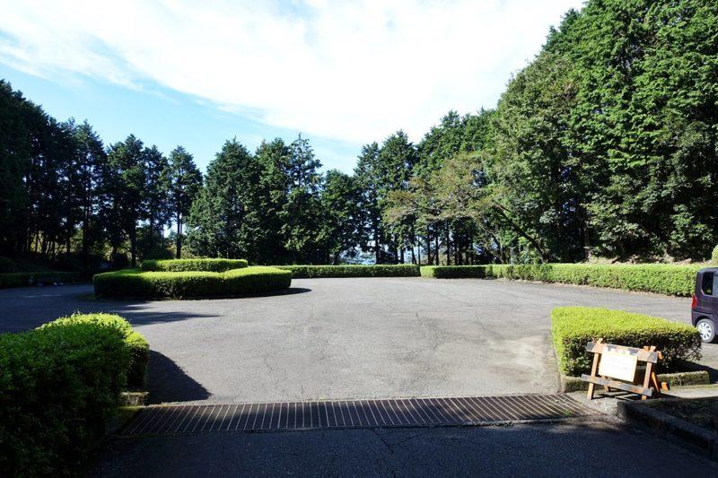 天母山自然公園の駐車場