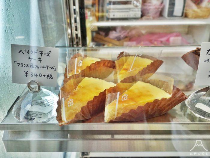 パティスリーヤヨイのベイクドチーズケーキ