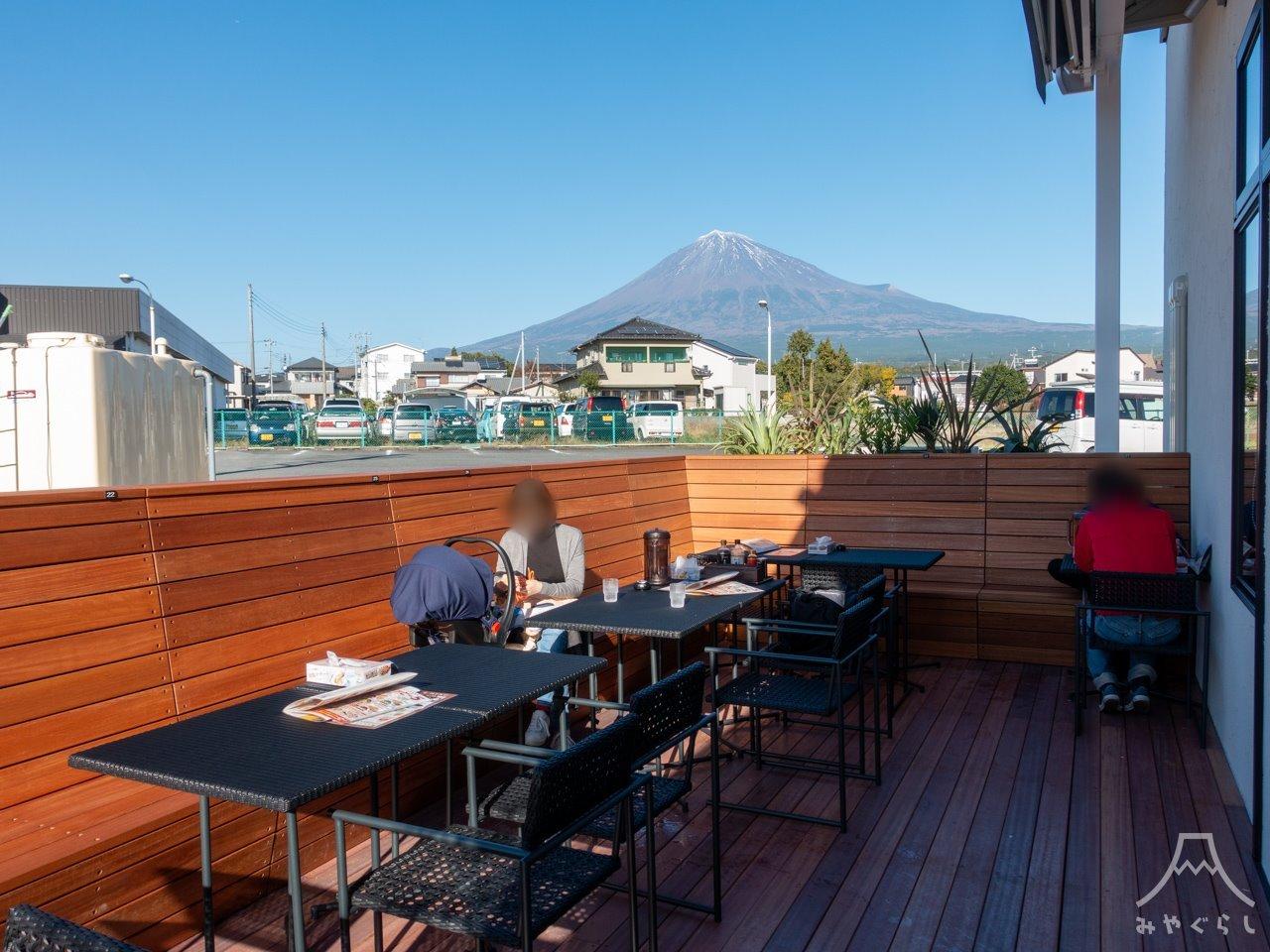 KOURAKUEN THE RAMEN CAFE 富士宮店のテラス席