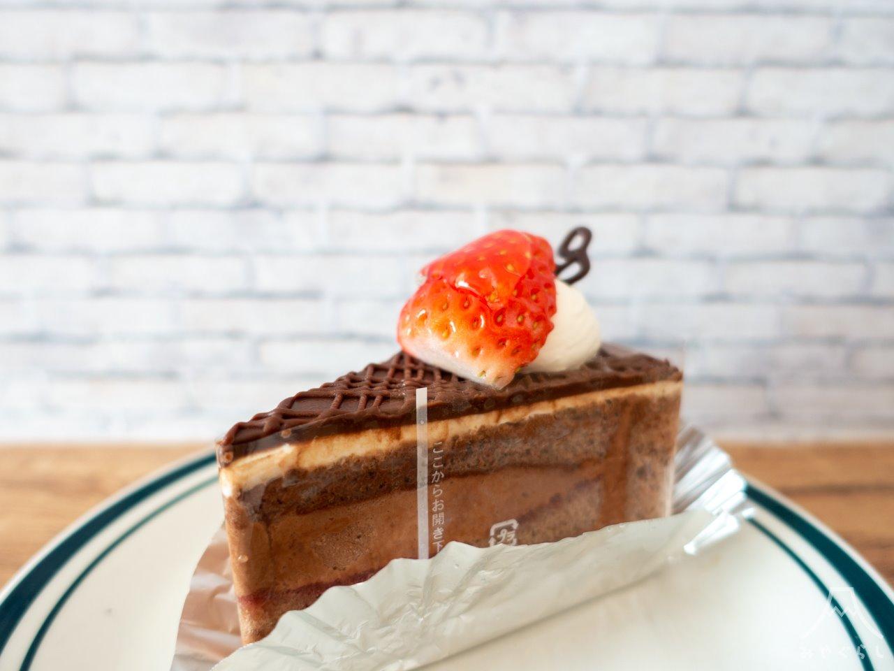 明月堂のチョコレートケーキ