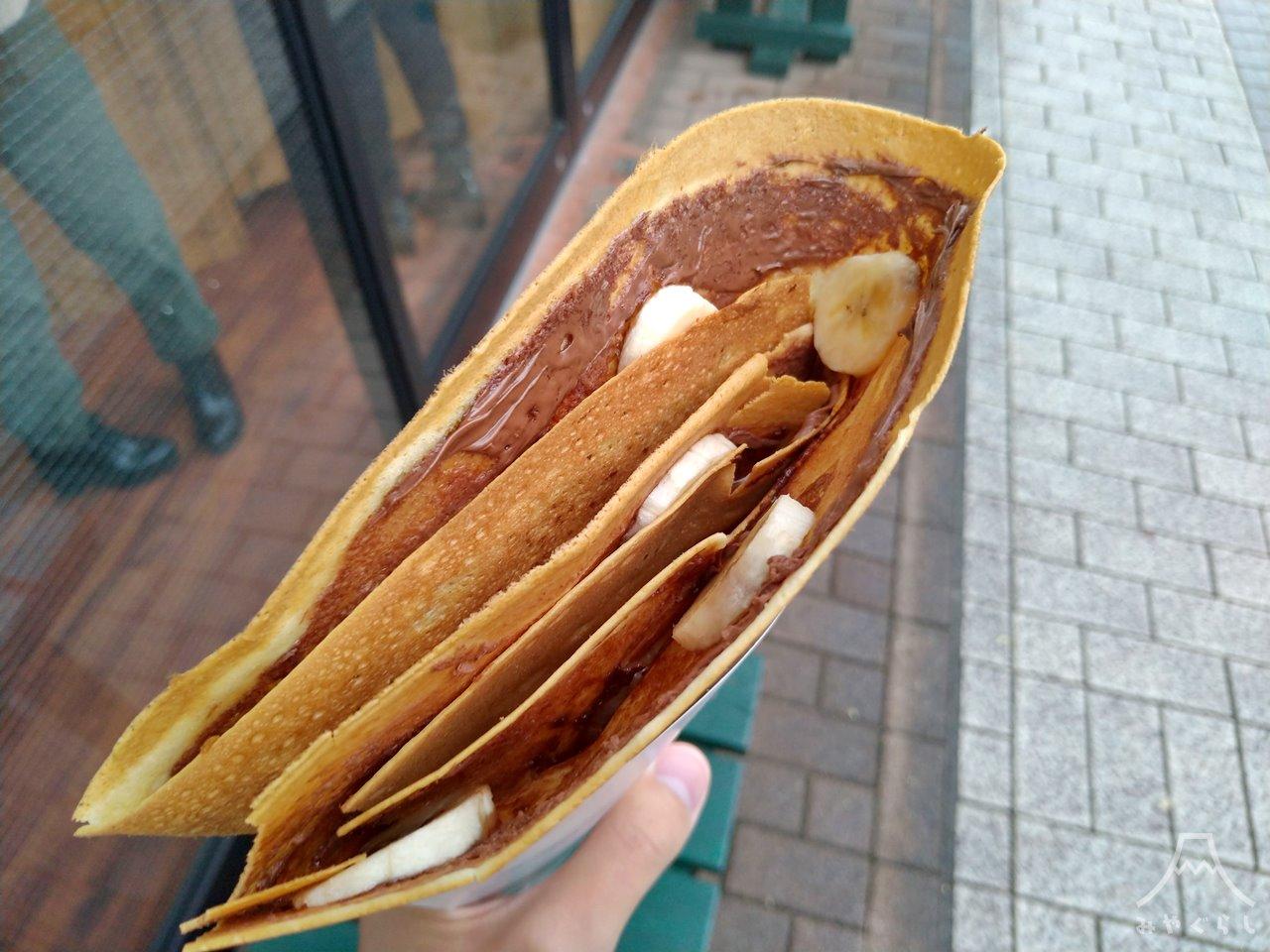 クレープ屋さんtomoshibiのヌテラ・バナナ