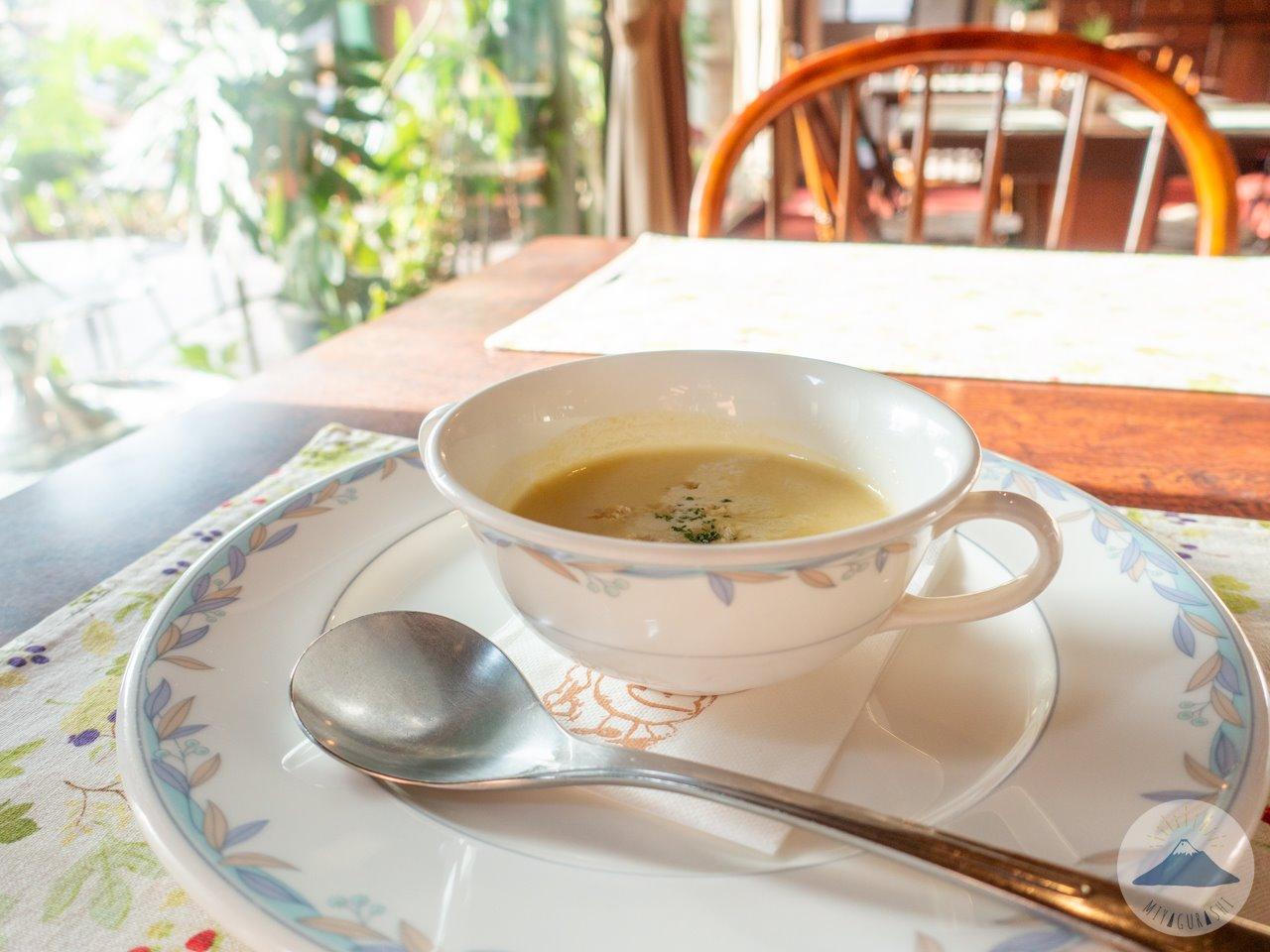 萩の亭のクリームスープ