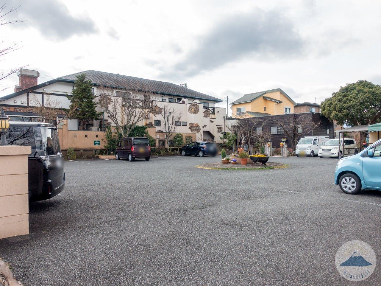 ボンヌジュルネの駐車場