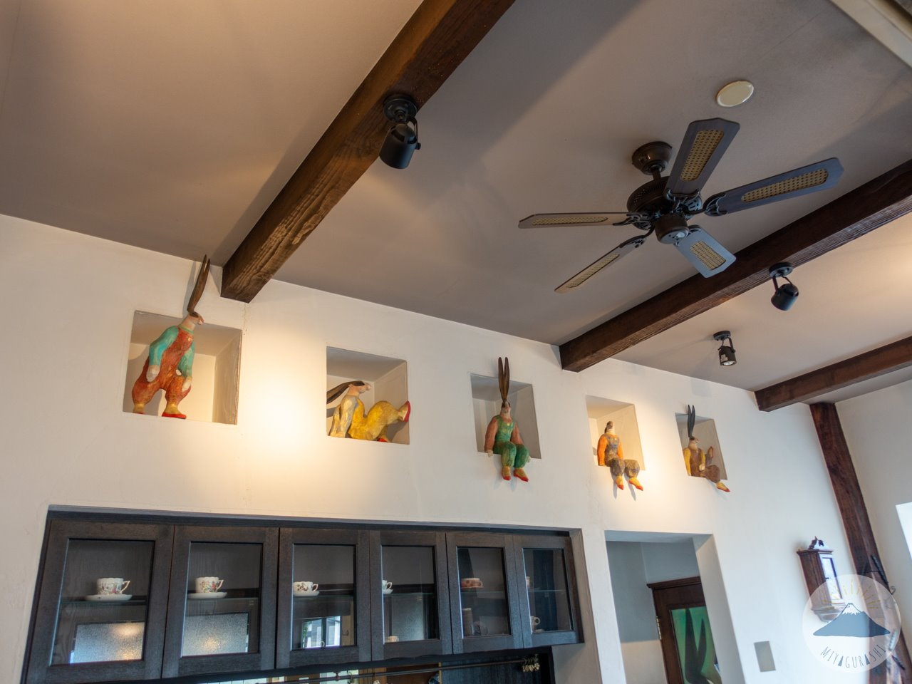 ボンヌジュルネの喫茶室(カフェ)