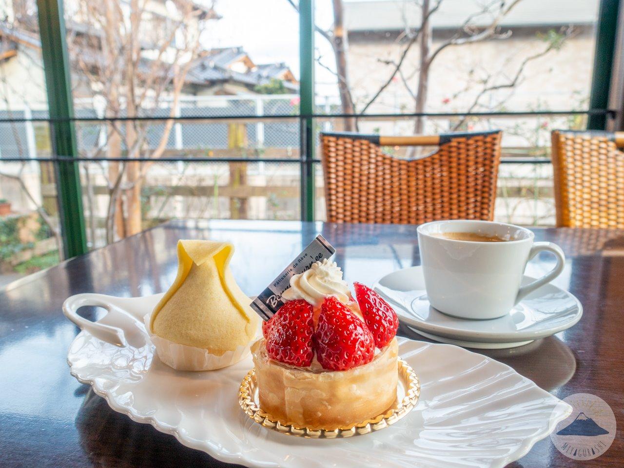 ボンヌジュルネのカフェ