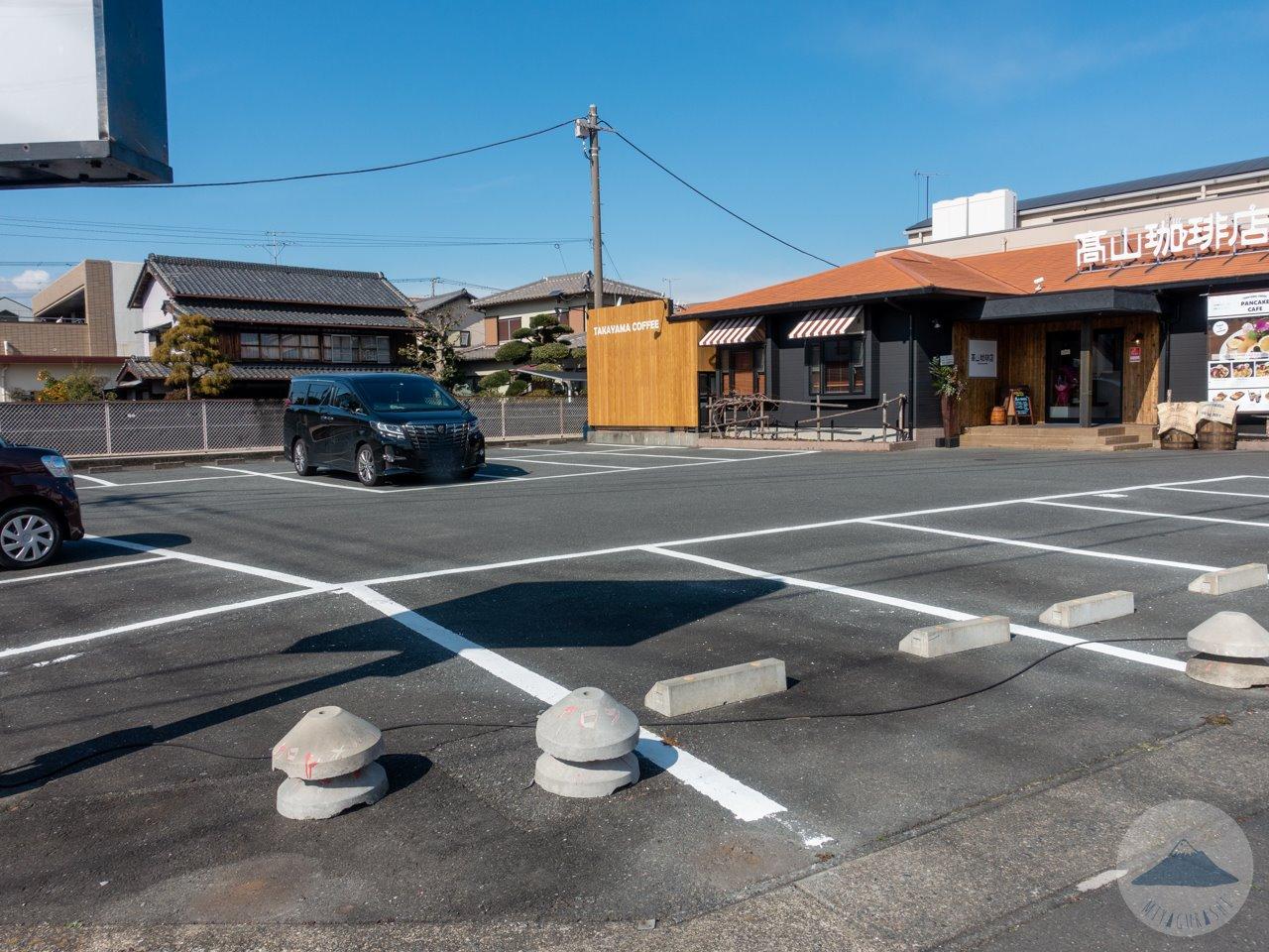高山珈琲店の駐車場