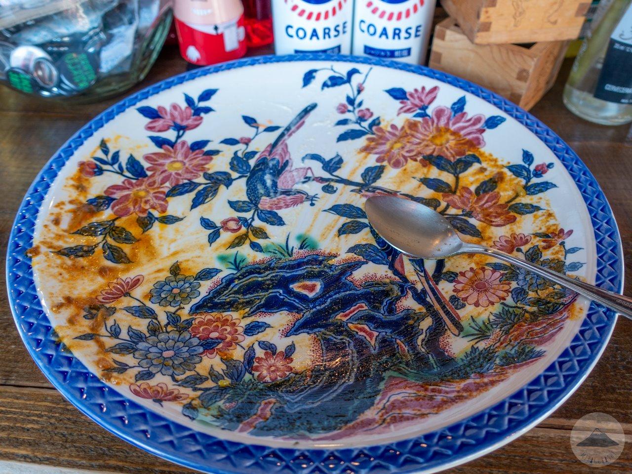 立呑処 月桃食堂のカレー皿