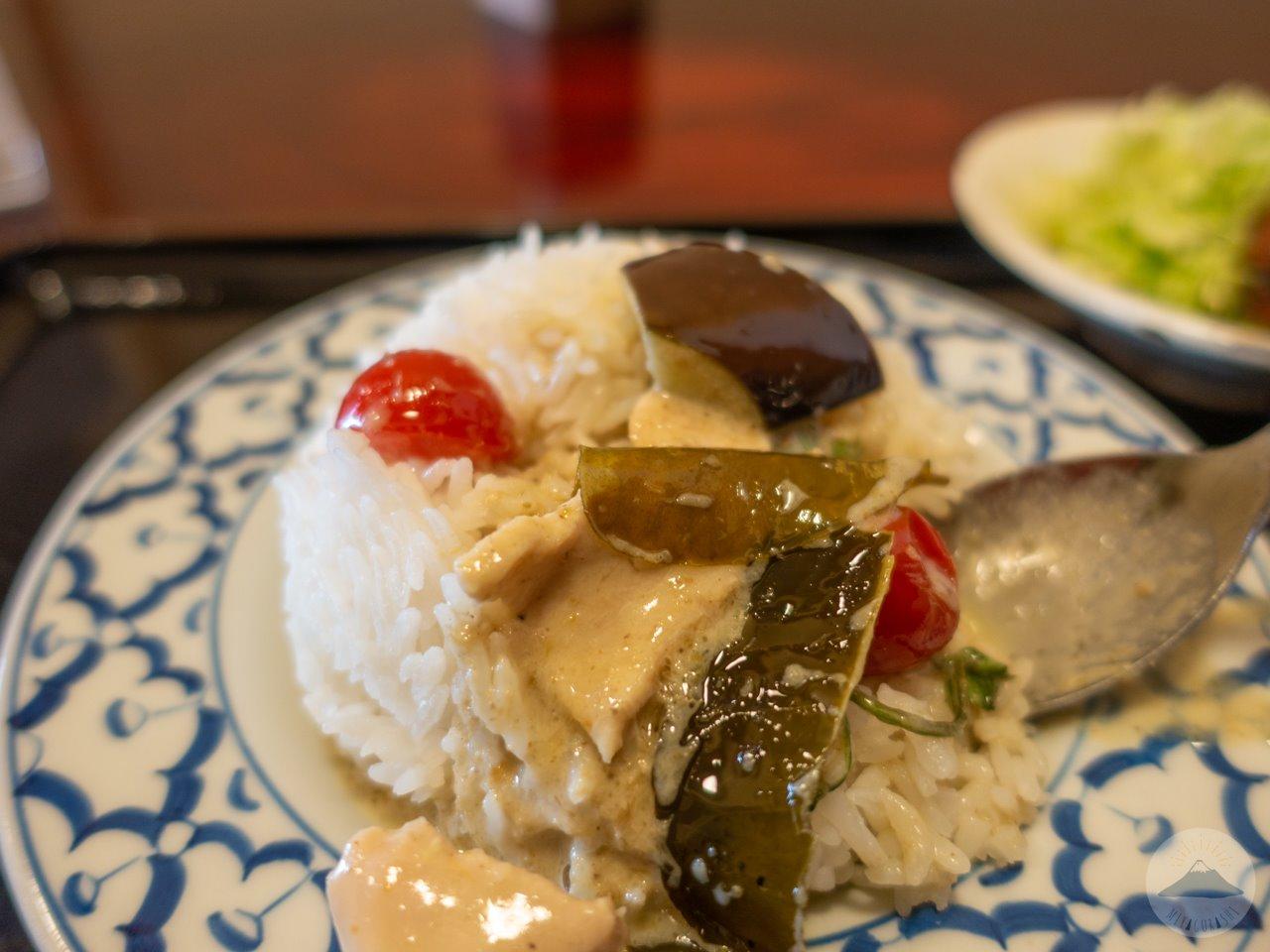 タイ屋台料理ユキズキッチンのグリーンカレー